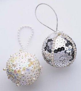 bolas de natal com paetes